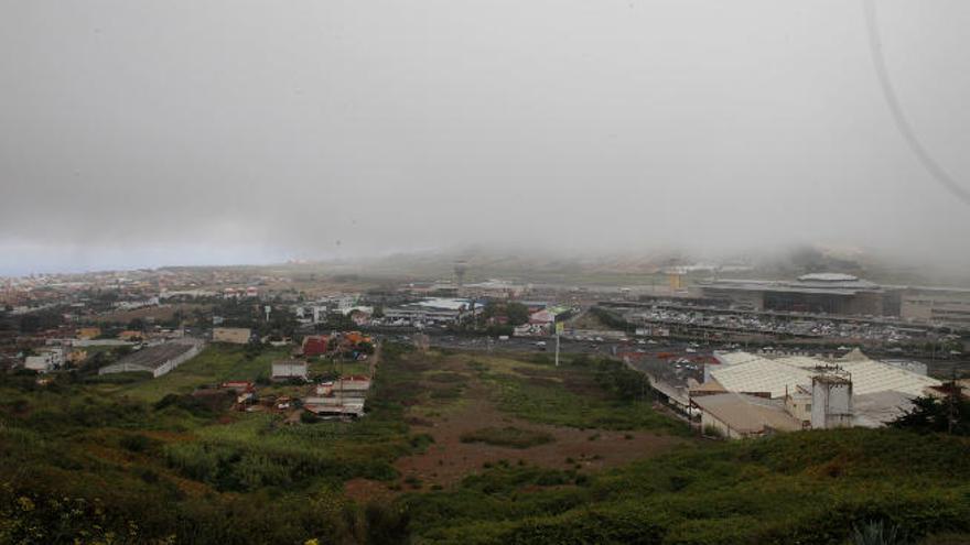 Los Rodeos afina un sistema de aterrizaje que acabará con los desvíos por la niebla