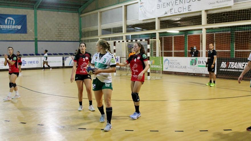 El Club Balonmano Elche disputa un partido intrascendente frente al Morvedre