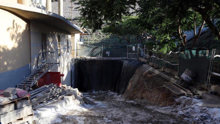 El Cabildo invierte un millón para acabar con el mal olor de la depuradora de Adeje