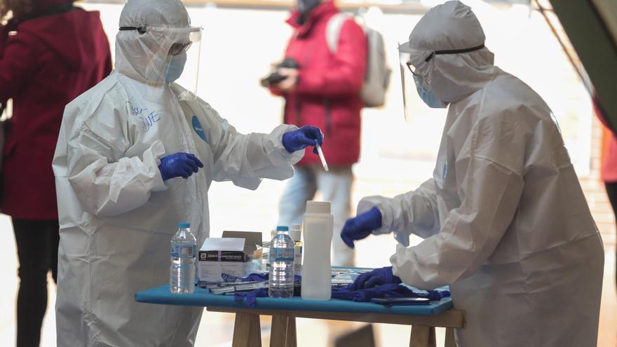 Tres personas más mueren por coronavirus en Castilla y León