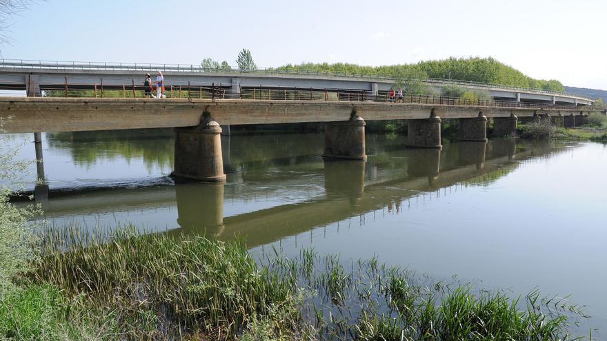 La crecida del Órbigo a su paso por Santa Cristina y Manganeses se sitúa en nivel de alerta
