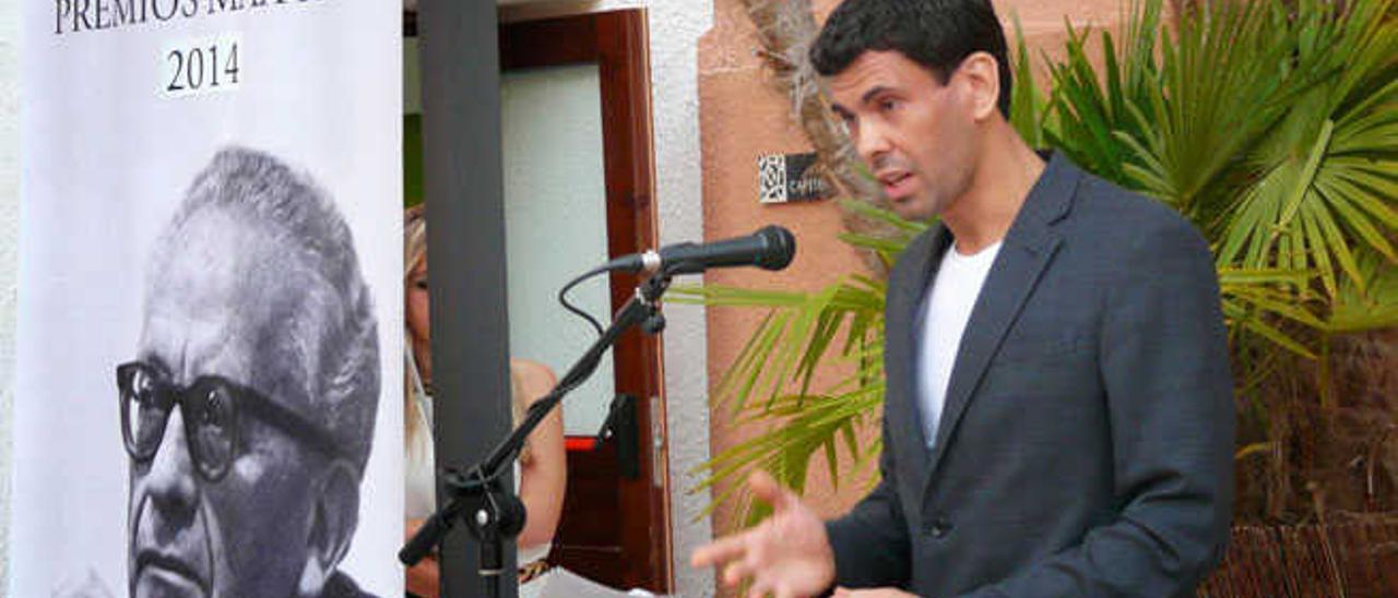 Diego Alfonsín Rivero, ganador de Novela Corta Miguel de Unamuno, en los premios Max Aub 2014.