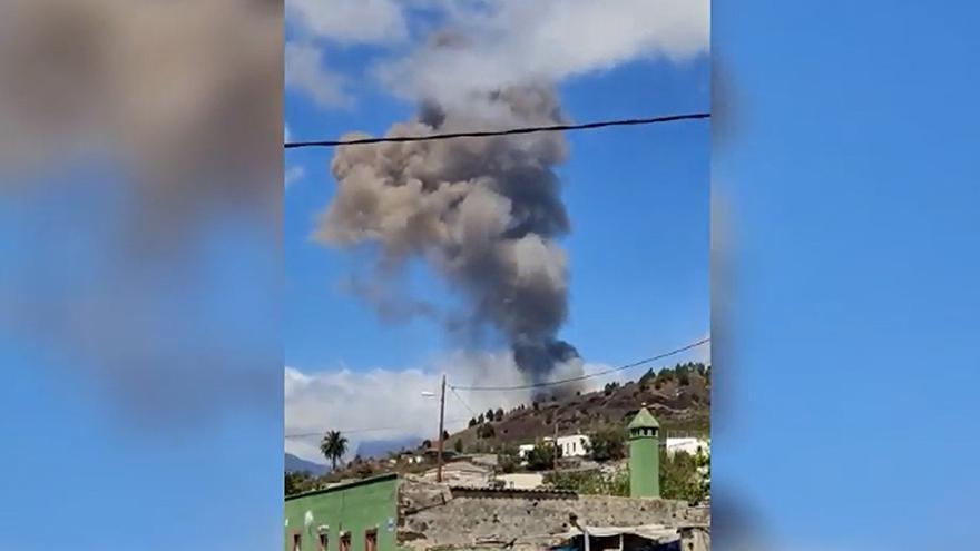 Las primeras imágenes de la erupción del volcán de La Palma