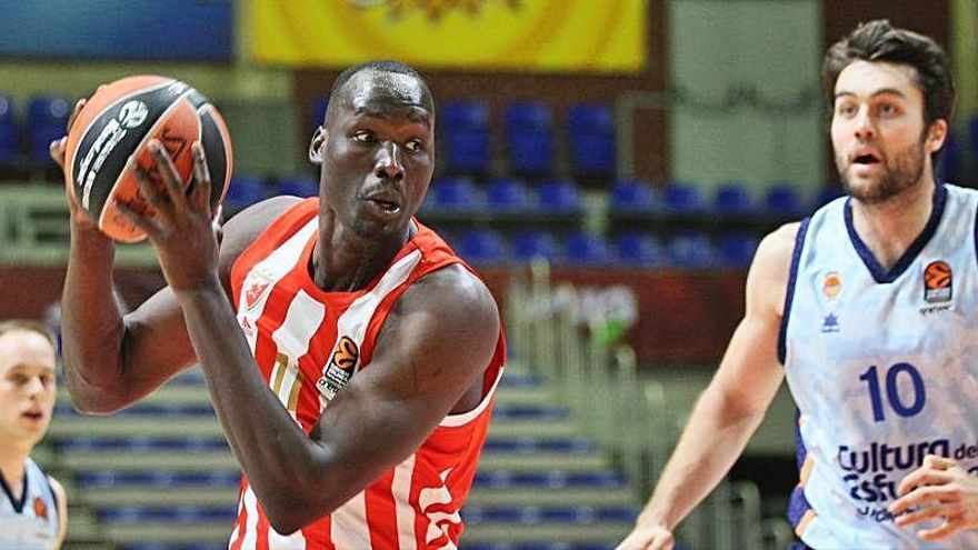 El Valencia Basket sufre a Jordan Loyd