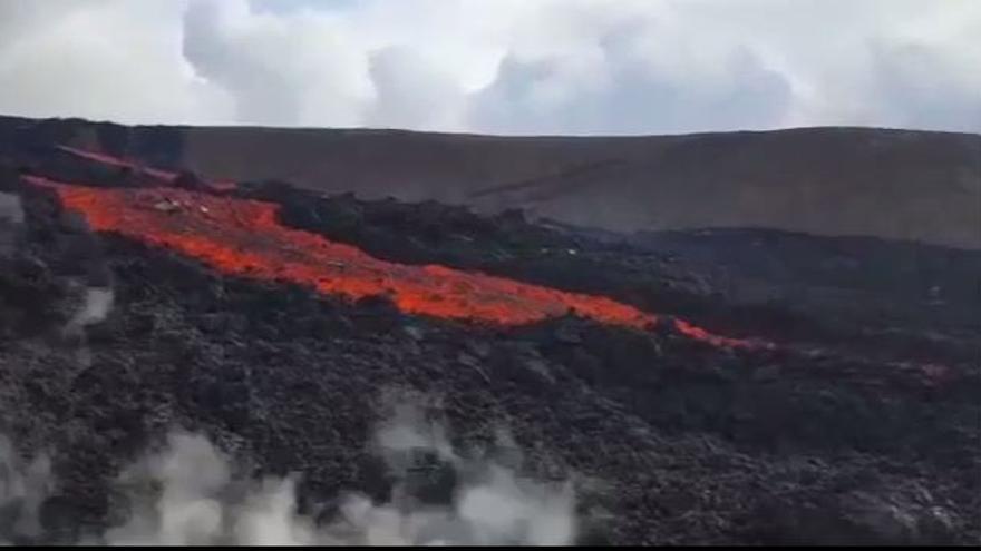 Así avanza la lava tras la erupción de un volcán en La Palma