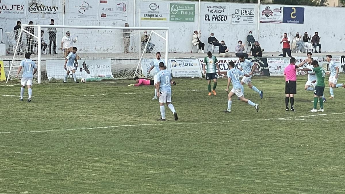 Jugada del gol del Trujillo.