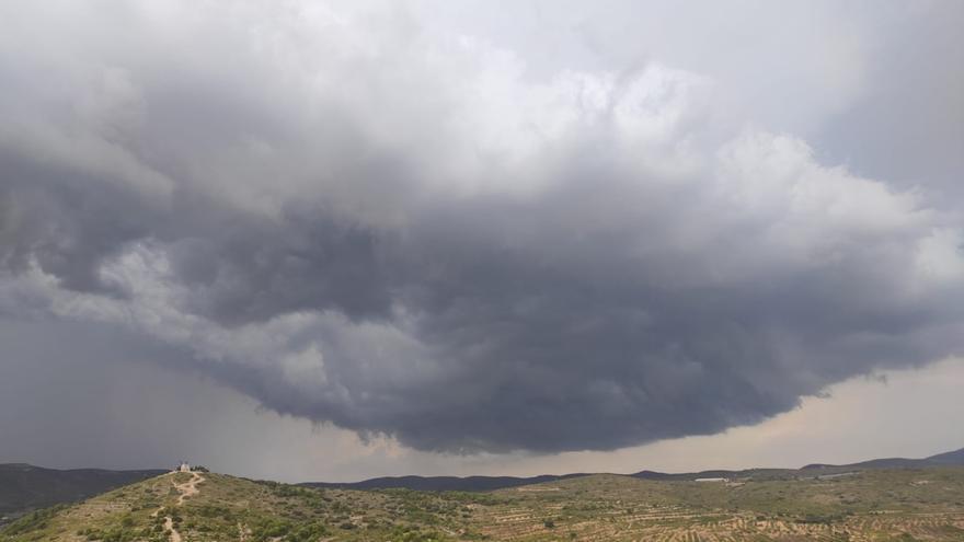 Un cielo plomizo sobre Valencia trae amenaza de lluvia