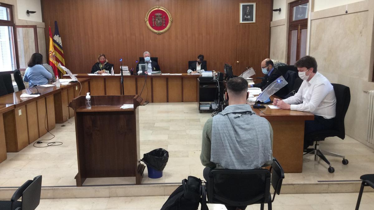 Una mujer relata en el juicio cómo fue retenida y agredida por un hombre en Palma al negarse a mantener relaciones con él.