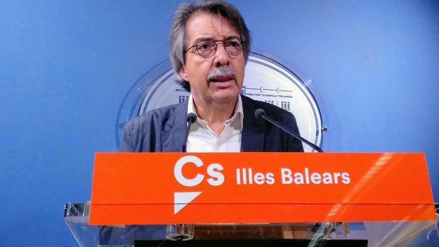 Pericay, miembro fundador de Cs, dimite pero sin pedir la abstención ante Sánchez