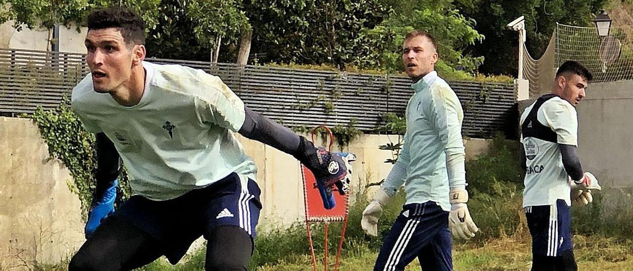 Rubén Blanco observa a Matías Dituro durante el entrenamiento del pasado lunes en Marbella.