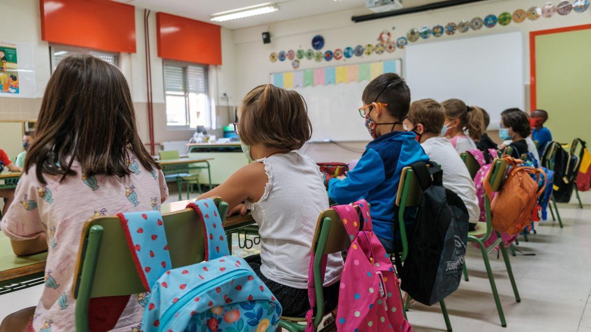 Escolares en su regreso a las aulas en el mes de septiembre, tras las vacaciones de verano.