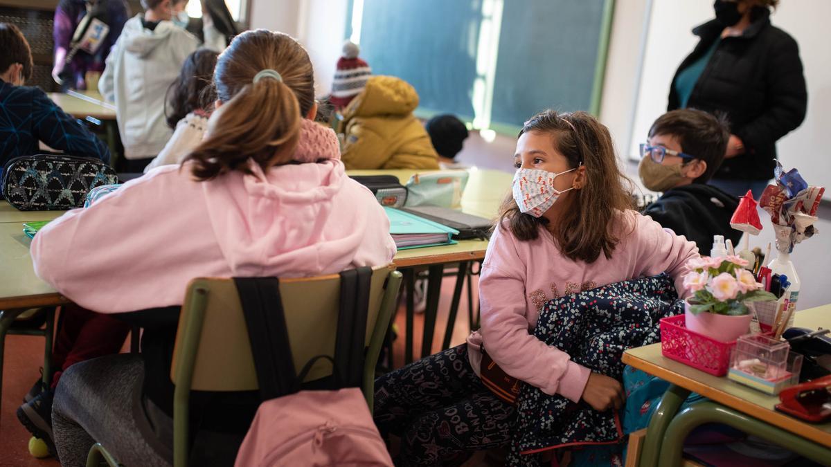 Un grupo de estudiantes durante una clase en un centro educativo de la Isla.