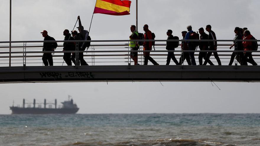 Comienza la marcha en recuerdo a las víctimas de la carretera de Almería