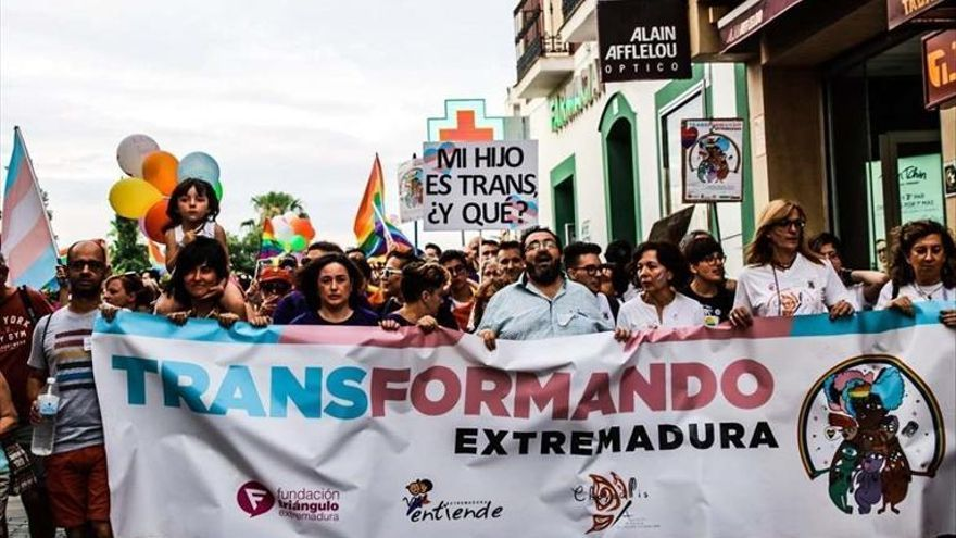 Extremadura fue pionera con una ley propia de transexualidad