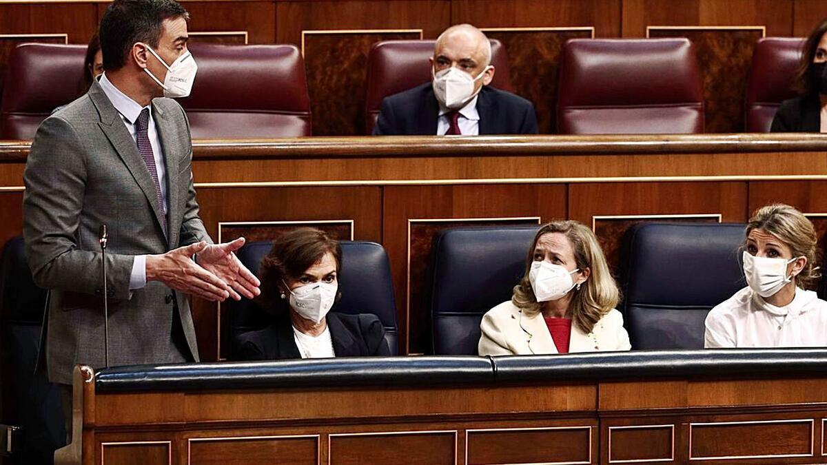Pedro Sánchez durante la tramitación d e la polémica Ley Orgánica de Protección de Datos   EFE