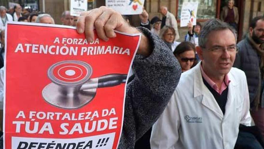 """Los médicos advierten de que """"se rompen las costuras"""" de Atención Primaria"""