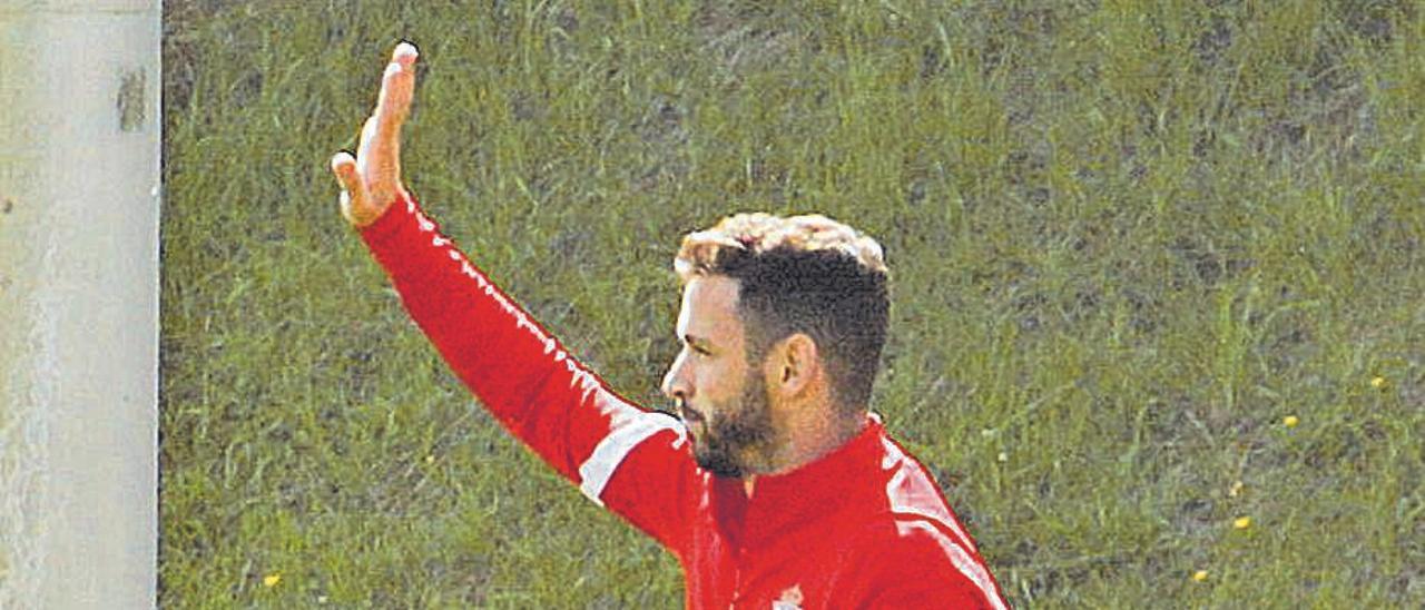 Álvaro Vázquez, en un entrenamiento.   Juan Plaza