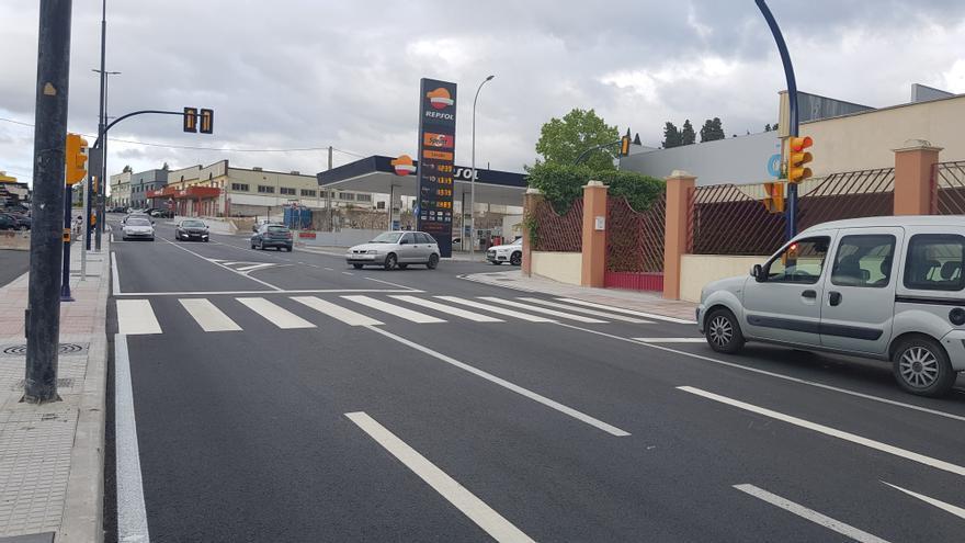 Finaliza la obra del nuevo carril de acceso al polígono de La Viñuela en Lucena