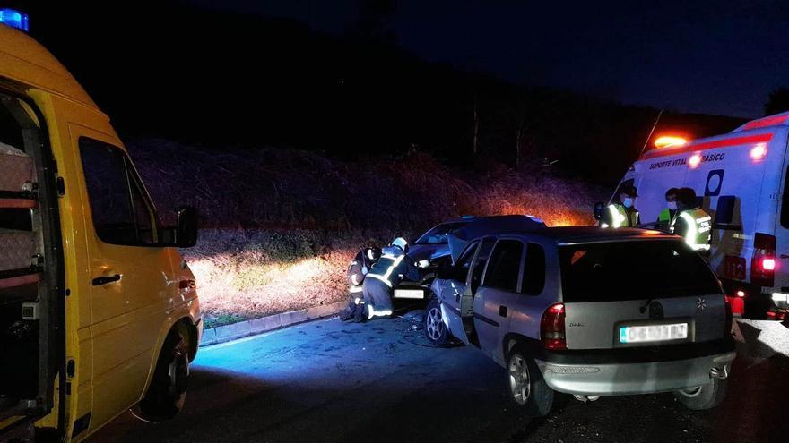 Un accidente de tráfico deja dos heridos en Tineo