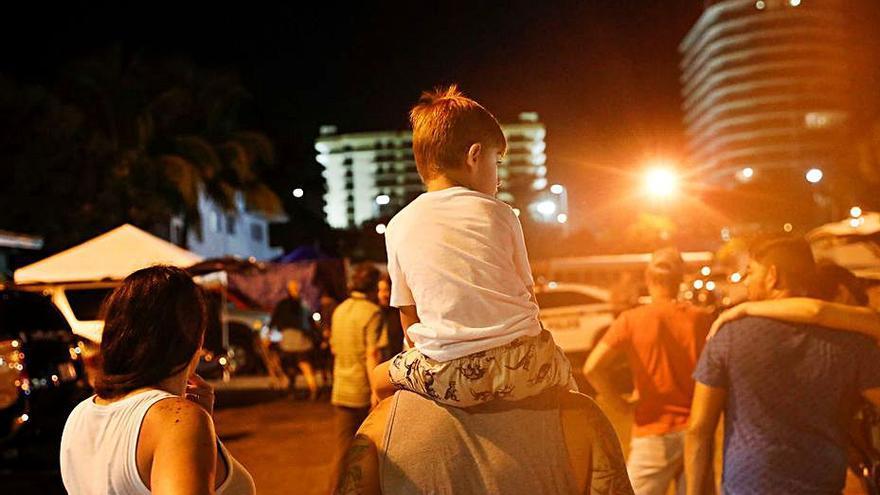 Ascendeixen a 27 els morts per l'ensorrament de l'edifici de Miami