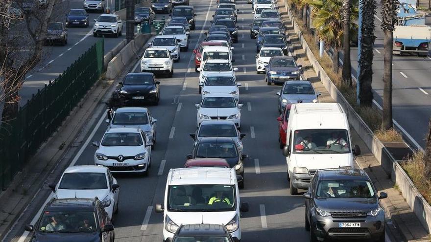 Uns 332.000 cotxes inicien la segona sortida de Barcelona per Setmana Santa