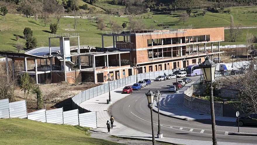 El contrato para tirar el spa del Naranco acelera la obra del Palacio de los Deportes