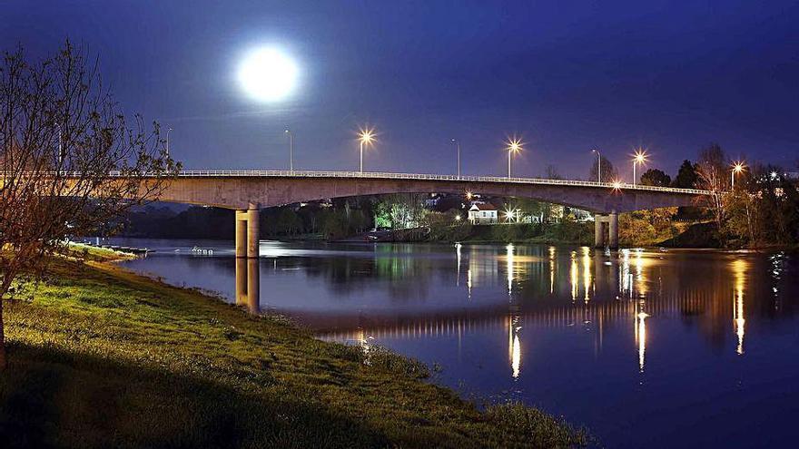 O xornal The Guardian bótalle o ollo ao río Miño