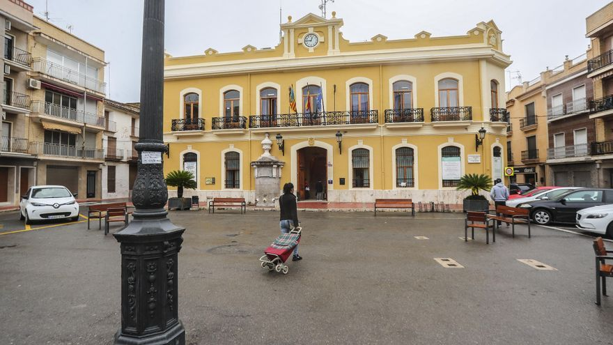 Los tribunales fuerzan al Ayuntamiento de Cheste a equiparar el salario de la interventora con el del secretario municipal