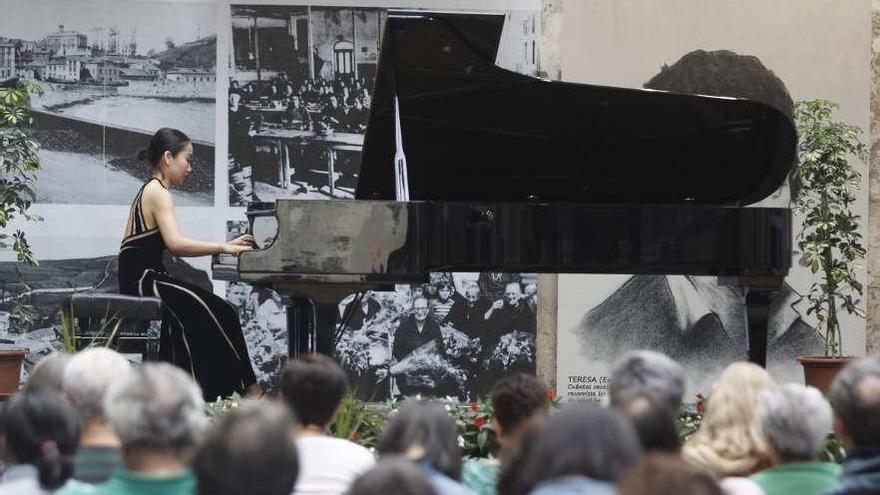Atardecer al piano en Candás