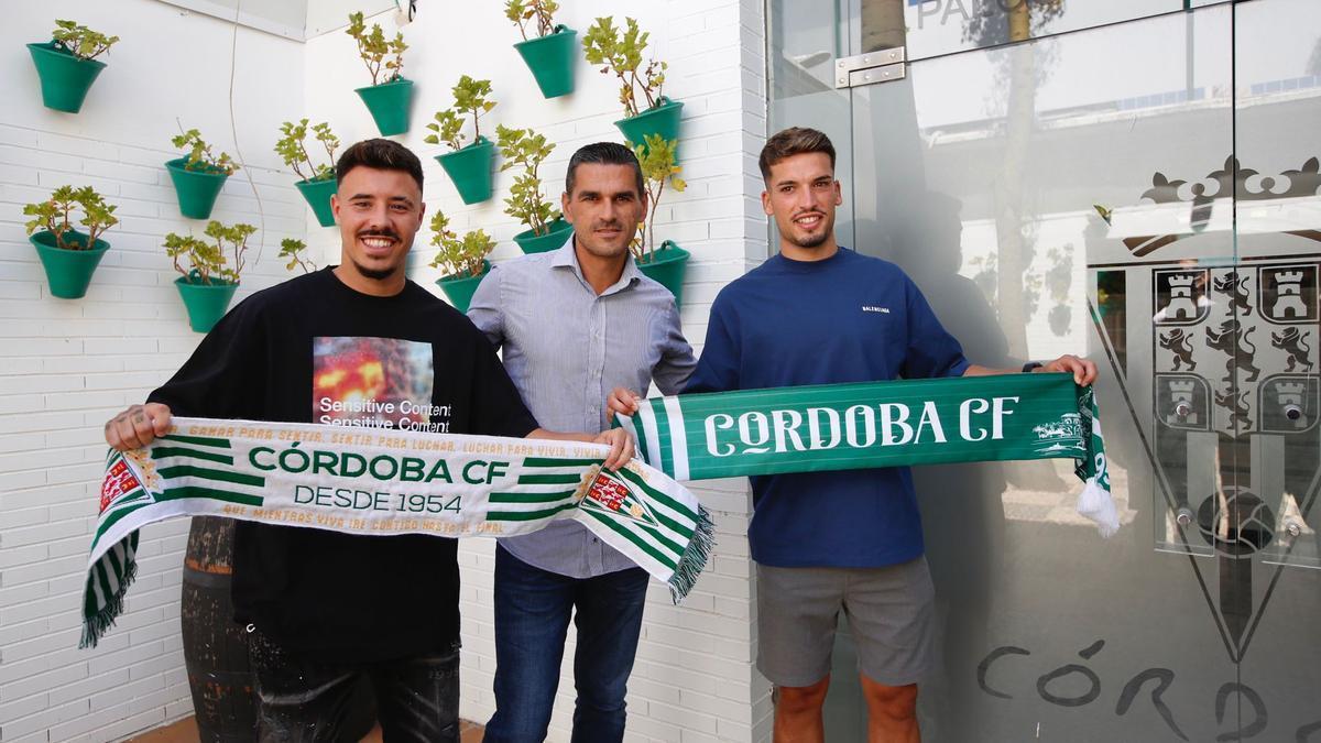 Viedma, Juanito y José Alonso, en El Arcángel.