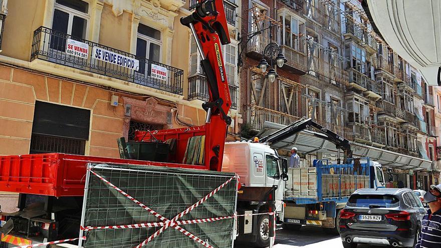 'Se vende' la Calle del Aire de Cartagena