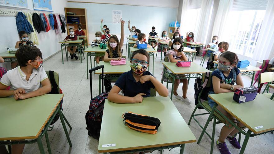 Un total de 52 centros educativos del área sanitaria registran casos de Covid-19