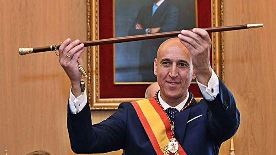 El socialista José Antonio Díez sustituye a Antonio Silván como nuevo alcalde de León