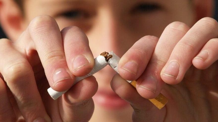¿Son efectivos la vareniclina y el bupropión para dejar de fumar?