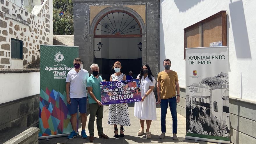 La 'Aguas de Teror Trail-Desafío de Los Picos' apoya la lucha contra la Violencia de Género