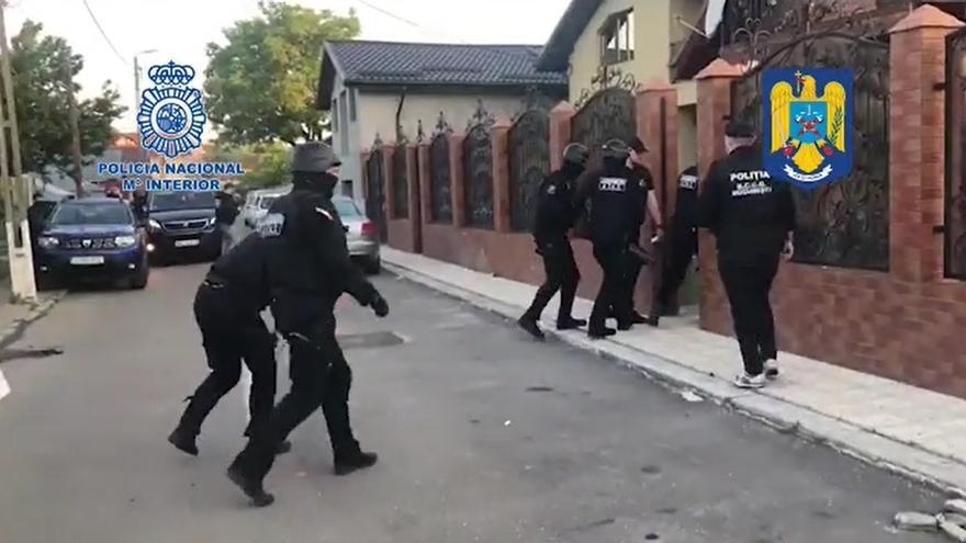 La Policía libera en Rumanía a 17 mujeres que iban a ser prostituidas en Oviedo y Santader