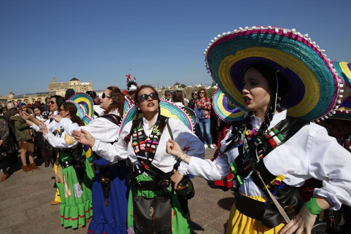 Carnaval de Córdoba: pasacalles en la Calahorra y fiesta infantil en el Bulevar