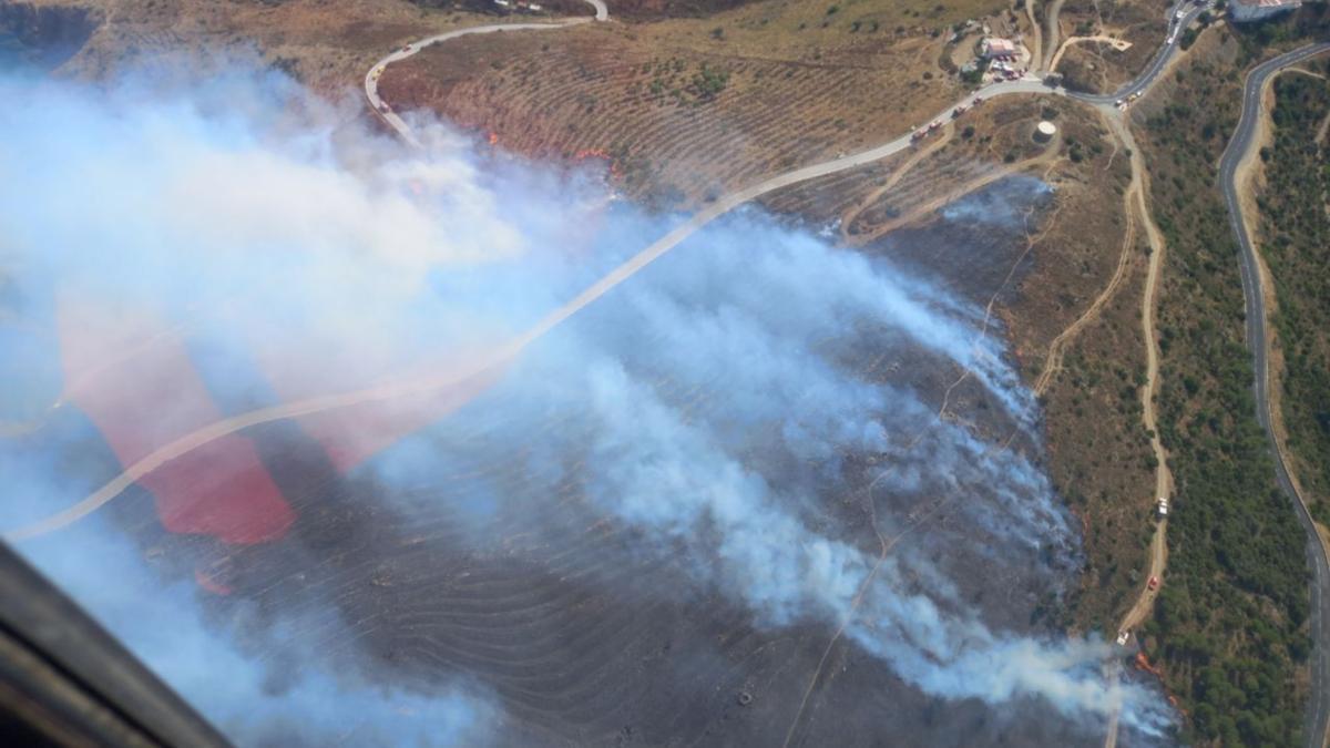 L'incendi de Portbou vist des de dalt.