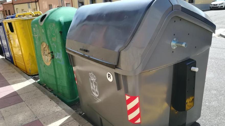 Los trabajadores de Benavente proponen un nuevo horario para la recogida de basuras