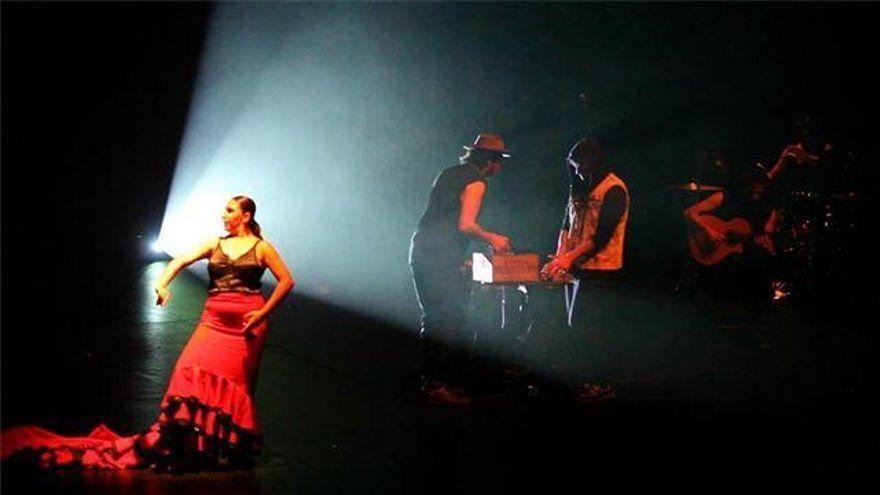 El Fuenseca acoge la ópera flamenca 'A través de la luz'