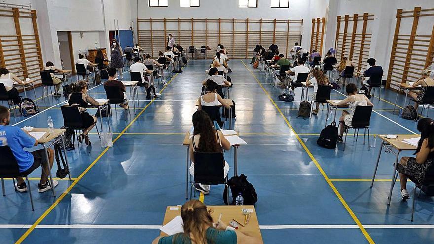 Aumentan un 6 % los estudiantes que se quedan sin plaza en primera opción