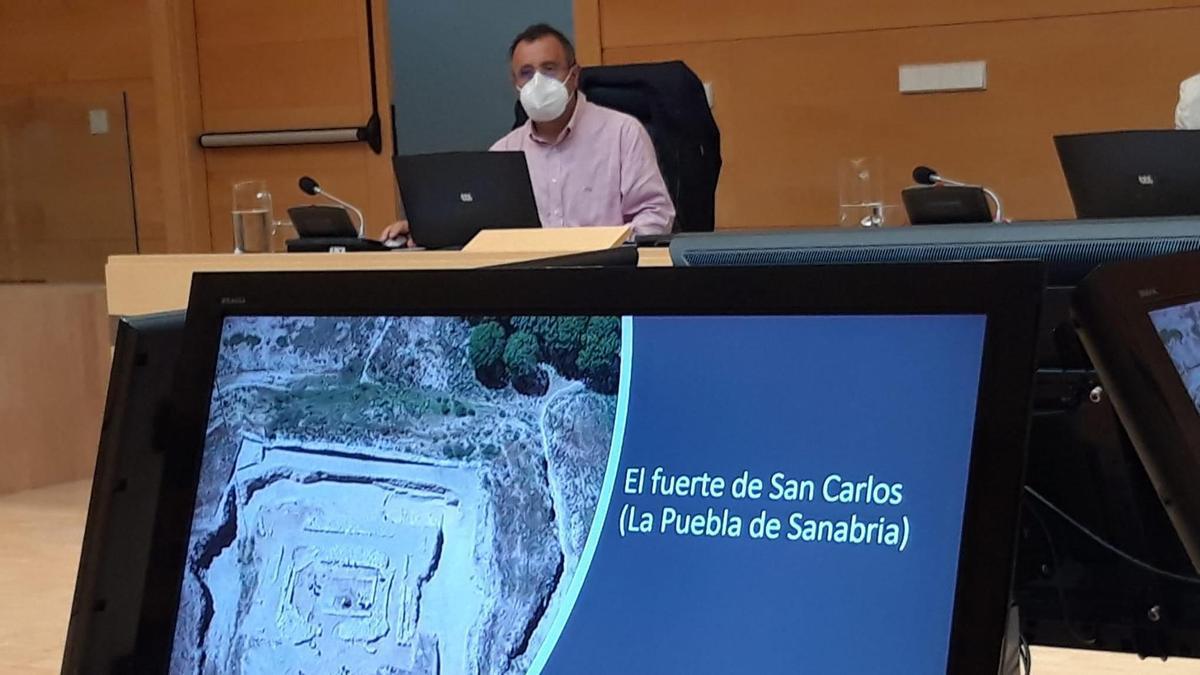 Comparecencia de Martín Benito en la Comisión de Cultura de las Cortes de Castilla y León.