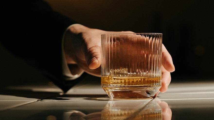 El alcoholismo que se destapó en el confinamiento hace crecer la demanda de terapias en Asturias