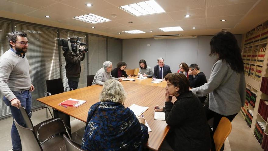 Pilar Varela y Aréstegui serán llamados para comparecer en la comisión del agua de Avilés