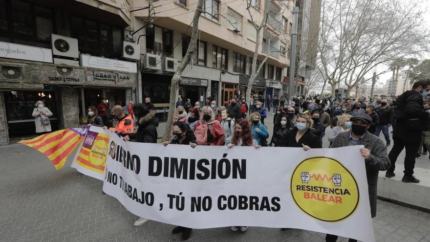 Cerca de cien personas participan en la manifestación de la Resistencia Balear