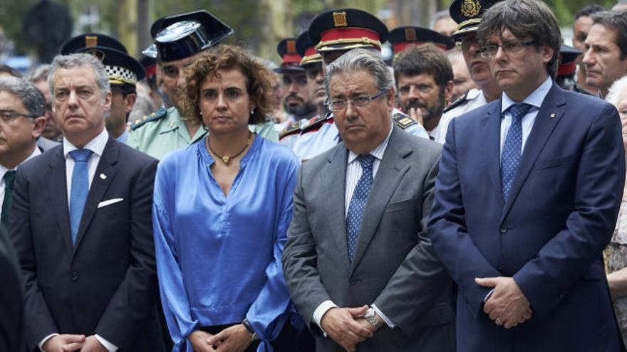 Puigdemont, abucheado en el homenaje a las víctimas de Hipercor