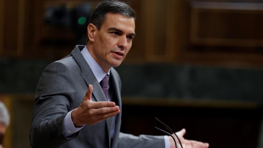 """Sánchez ve a Casado """"inquieto"""" e """"impaciente"""" por entrar en la campaña de Madrid"""