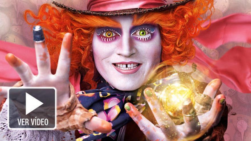 'Alicia a través del espejo' y lo nuevo de Michael Moore llegan a los cines