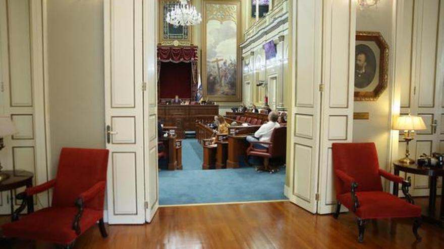 Coronavirus en Canarias | El primer Pleno del Parlamento de Canarias en estado de alarma