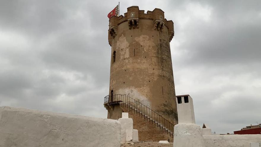La Policía investiga la pintada en la Torre de Paterna